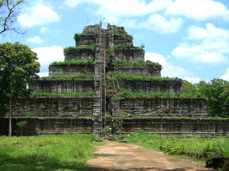 Distant temples of Koh Ker and Beng Mile