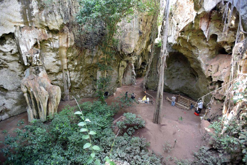 Пещеры в кении